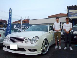 メルセデス・ベンツE500W中古車販売事例